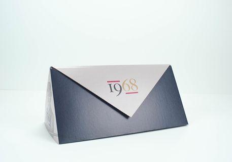 Caja triangular botella