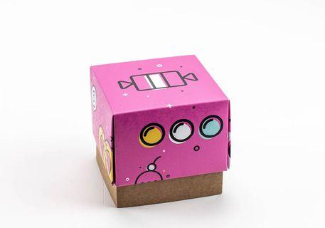 Caja cubo con 3 bandejas