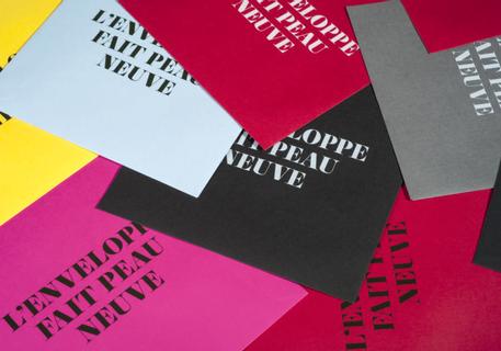 Enveloppe spéciale, papier couleur