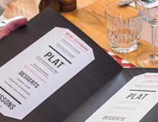 menu dépliant de restaurant ouvert